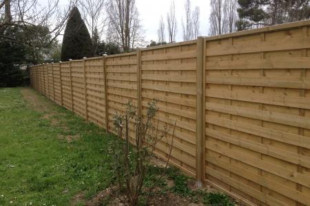 Pose de clôture en bois et portillon à Mougins (06)