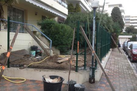 Pose d'une clôture en panneaux rigides à Cannes