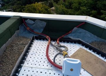 Mise en place de toit végétalisé sur-mesure par Clean Jardin Antibes pour un constructeur à Mandelieu