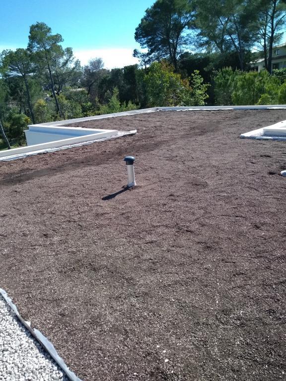 Toit végétal - toiture végétalisée - Clean Jardin - Antibes - Mougins - Biot